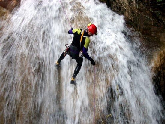 Barranquismo en Asturias con Los Cauces Multiaventura