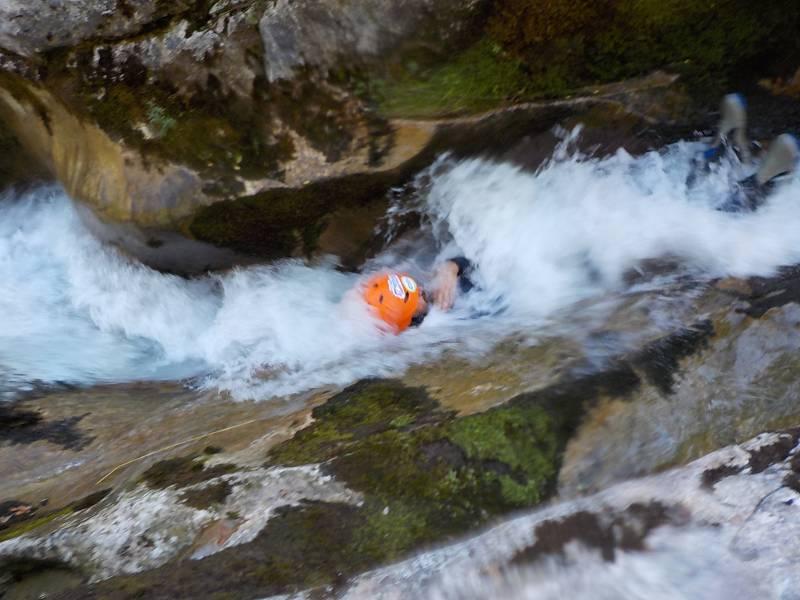 Barranquismo en el Rubó (Asturias) con Los Cauces Multiaventura