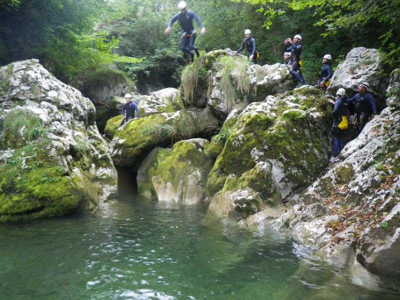 Barranco El Vallegón (Asturias) - Saltando a la poza